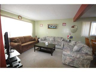 Photo 2: 279 MARTINDALE Boulevard NE in Calgary: Martindale Residential Detached Single Family for sale : MLS®# C3639230