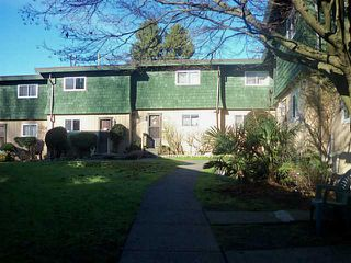 """Photo 13: 7472 13TH Avenue in Burnaby: Edmonds BE Townhouse for sale in """"THE POPLARS"""" (Burnaby East)  : MLS®# V1101986"""