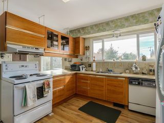 Photo 8: 925 HANDSWORTH Road in North Vancouver: Forest Hills NV House for sale : MLS®# V1110371