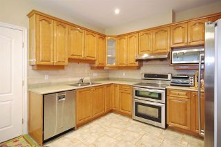 Photo 4: 8393 NO 2 Road in Richmond: Lackner House 1/2 Duplex for sale : MLS®# R2037438