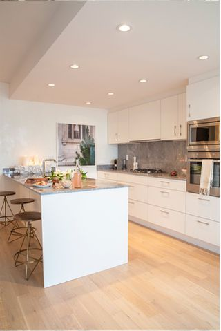 """Photo 4: 1001 728 W 8TH Avenue in Vancouver: Fairview VW Condo for sale in """"700 WEST 8TH"""" (Vancouver West)  : MLS®# R2059033"""