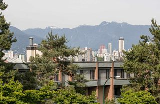 Photo 10: 1639 LARCH Street in Vancouver: Kitsilano House for sale (Vancouver West)  : MLS®# R2078855