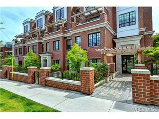 Photo 1: 104 1011 Burdett Ave in VICTORIA: Vi Downtown Condo for sale (Victoria)  : MLS®# 734174