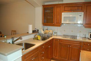 Photo 7: 210 5770 Oak Street in Oakridge Crowne: Home for sale