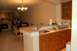 Photo 5: 210 5770 Oak Street in Oakridge Crowne: Home for sale