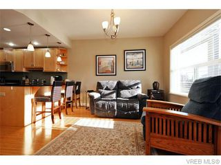 Photo 8: 2697 Azalea Lane in VICTORIA: La Langford Proper Townhouse for sale (Langford)  : MLS®# 370437
