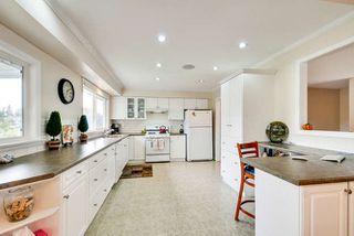 Photo 5: 5563 CHESTNUT Crescent in Delta: Delta Manor House for sale (Ladner)  : MLS®# R2118233