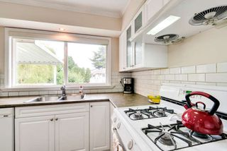 Photo 7: 5563 CHESTNUT Crescent in Delta: Delta Manor House for sale (Ladner)  : MLS®# R2118233