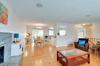 Photo 3: 5563 CHESTNUT Crescent in Delta: Delta Manor House for sale (Ladner)  : MLS®# R2118233
