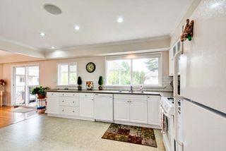 Photo 6: 5563 CHESTNUT Crescent in Delta: Delta Manor House for sale (Ladner)  : MLS®# R2118233