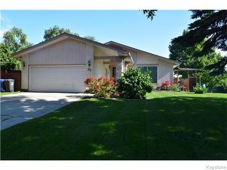 Photo 1: 63 Lakeshore Road in Winnipeg: Waverley Heights Residential for sale (1L)  : MLS®# 1629033