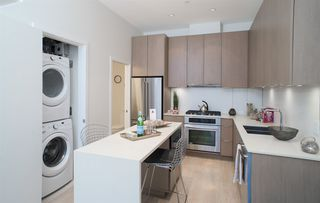 "Photo 2: 145 E 1ST Avenue in Vancouver: Mount Pleasant VE Townhouse for sale in ""BLOCK 100"" (Vancouver East)  : MLS®# R2152091"