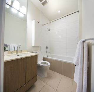 "Photo 9: 145 E 1ST Avenue in Vancouver: Mount Pleasant VE Townhouse for sale in ""BLOCK 100"" (Vancouver East)  : MLS®# R2152091"