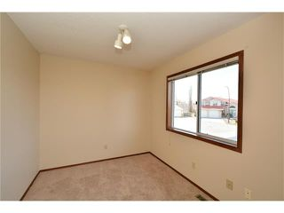 Photo 32: 610 EDGEBANK Place NW in Calgary: Edgemont House for sale : MLS®# C4110946