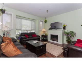 Photo 4: 22 20159 68TH Avenue in Langley: Willoughby Heights Townhouse for sale : MLS®# R2213781