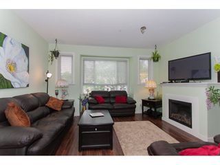 Photo 3: 22 20159 68TH Avenue in Langley: Willoughby Heights Townhouse for sale : MLS®# R2213781
