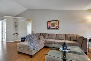 Photo 8: 12 ANDERSON Avenue NE: Langdon House for sale : MLS®# C4162604
