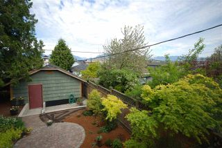 Photo 17: 3079 GRAVELEY Street in Vancouver: Renfrew VE House for sale (Vancouver East)  : MLS®# R2262350