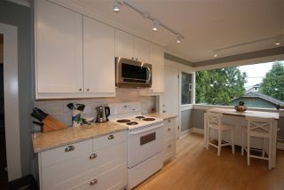 Photo 8: 3079 GRAVELEY Street in Vancouver: Renfrew VE House for sale (Vancouver East)  : MLS®# R2262350