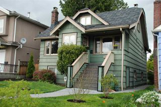 Photo 1: 3079 GRAVELEY Street in Vancouver: Renfrew VE House for sale (Vancouver East)  : MLS®# R2262350