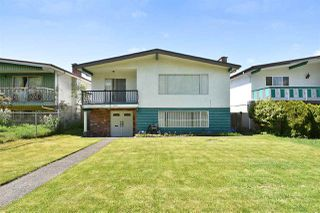 Photo 1: 5625 DUMFRIES Street in Vancouver: Knight House for sale (Vancouver East)  : MLS®# R2268170