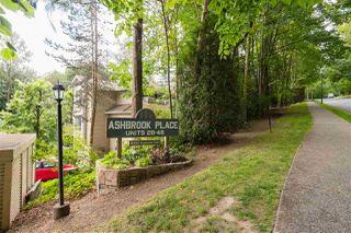 """Photo 2: 48 9000 ASH GROVE Crescent in Burnaby: Forest Hills BN Townhouse for sale in """"Ash Brook Place"""" (Burnaby North)  : MLS®# R2283977"""