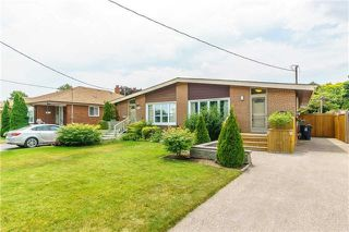 Main Photo: 140 Fenside Drive in Toronto: Parkwoods-Donalda House (Bungalow) for sale (Toronto C13)  : MLS®# C4189214