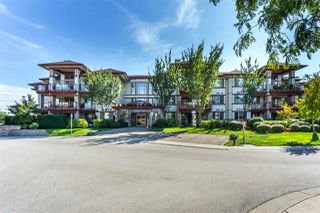 """Main Photo: 107 16447 64 Avenue in Surrey: Cloverdale BC Condo for sale in """"St. Andrews"""" (Cloverdale)  : MLS®# R2302117"""