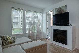 "Photo 10: 324 119 W 22ND Street in North Vancouver: Central Lonsdale Condo for sale in ""ANDERSON WALK"" : MLS®# R2303070"