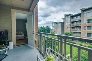 "Photo 2: 324 119 W 22ND Street in North Vancouver: Central Lonsdale Condo for sale in ""ANDERSON WALK"" : MLS®# R2303070"
