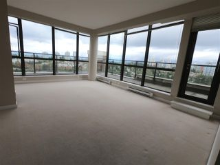"""Photo 6: 2302 6823 STATION HILL Drive in Burnaby: South Slope Condo for sale in """"BELVEDERE"""" (Burnaby South)  : MLS®# R2308599"""