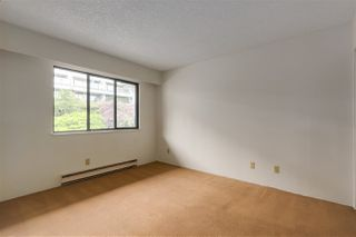 Photo 15: 37 2216 FOLKESTONE Way in West Vancouver: Panorama Village Condo for sale : MLS®# R2310514