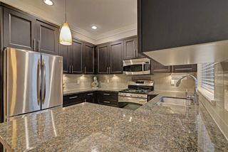 """Photo 8: 4 3025 BAIRD Road in North Vancouver: Lynn Valley Townhouse for sale in """"Vicinity"""" : MLS®# R2326169"""