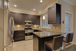 """Photo 7: 4 3025 BAIRD Road in North Vancouver: Lynn Valley Townhouse for sale in """"Vicinity"""" : MLS®# R2326169"""
