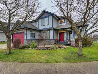 Photo 2: 20198 71A Avenue in Langley: Willoughby Heights House for sale : MLS®# R2329255