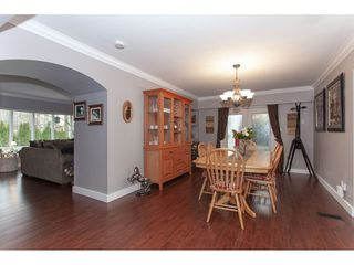 Photo 6: 6188 180 Street in Surrey: Cloverdale BC House for sale (Cloverdale)  : MLS®# R2329204