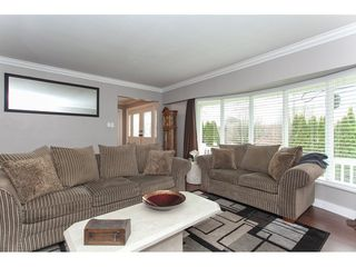 Photo 5: 6188 180 Street in Surrey: Cloverdale BC House for sale (Cloverdale)  : MLS®# R2329204