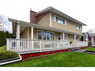 Photo 1: 6188 180 Street in Surrey: Cloverdale BC House for sale (Cloverdale)  : MLS®# R2329204
