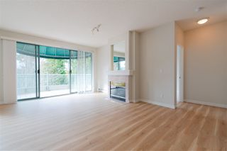 "Photo 8: 404 1725 MARTIN Drive in Surrey: Sunnyside Park Surrey Condo for sale in ""Southwynd"" (South Surrey White Rock)  : MLS®# R2337551"