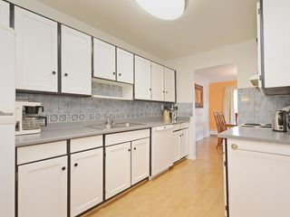 "Photo 2: 208 8860 NO. 1 Road in Richmond: Boyd Park Condo for sale in ""APPLE GREENE"" : MLS®# R2365863"