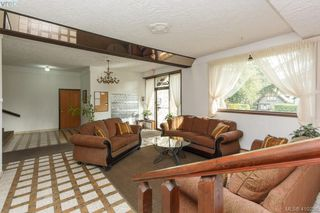 Photo 4: 209 726 Lampson St in VICTORIA: Es Rockheights Condo Apartment for sale (Esquimalt)  : MLS®# 813226