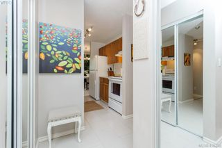 Photo 6: 209 726 Lampson St in VICTORIA: Es Rockheights Condo Apartment for sale (Esquimalt)  : MLS®# 813226