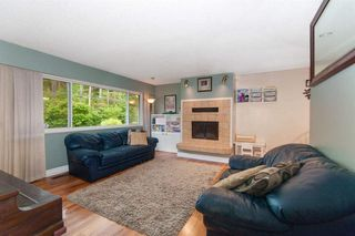 Photo 2: 3728 OXFORD Street in Port Coquitlam: Oxford Heights House for sale : MLS®# R2373814
