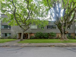 Photo 2: 206 1695 West 10th Ave in Sherwood Manor: South Granville Home for sale ()  : MLS®# R2084979