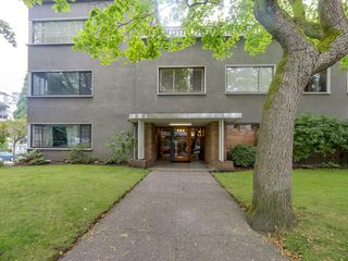 Photo 4: 206 1695 West 10th Ave in Sherwood Manor: South Granville Home for sale ()  : MLS®# R2084979