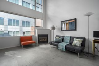 "Photo 2: 1 489 W 6TH Avenue in Vancouver: False Creek Condo for sale in ""Miro"" (Vancouver West)  : MLS®# R2380931"