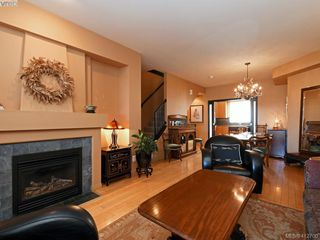Photo 5: 13 60 Dallas Rd in VICTORIA: Vi James Bay Row/Townhouse for sale (Victoria)  : MLS®# 818335
