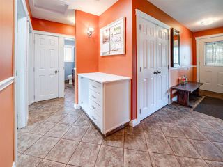 Photo 2: 11111 36 Avenue in Edmonton: Zone 16 House for sale : MLS®# E4163644