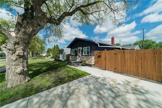 Photo 3: 435 WHITTIER Avenue West in Winnipeg: West Transcona Residential for sale (3L)  : MLS®# 1915272
