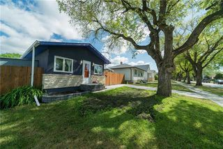 Photo 2: 435 WHITTIER Avenue West in Winnipeg: West Transcona Residential for sale (3L)  : MLS®# 1915272